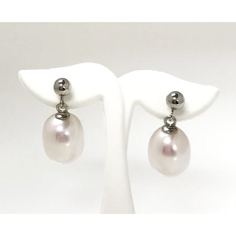 Showcase Collection 10KW FW Pearl Stud Earrings