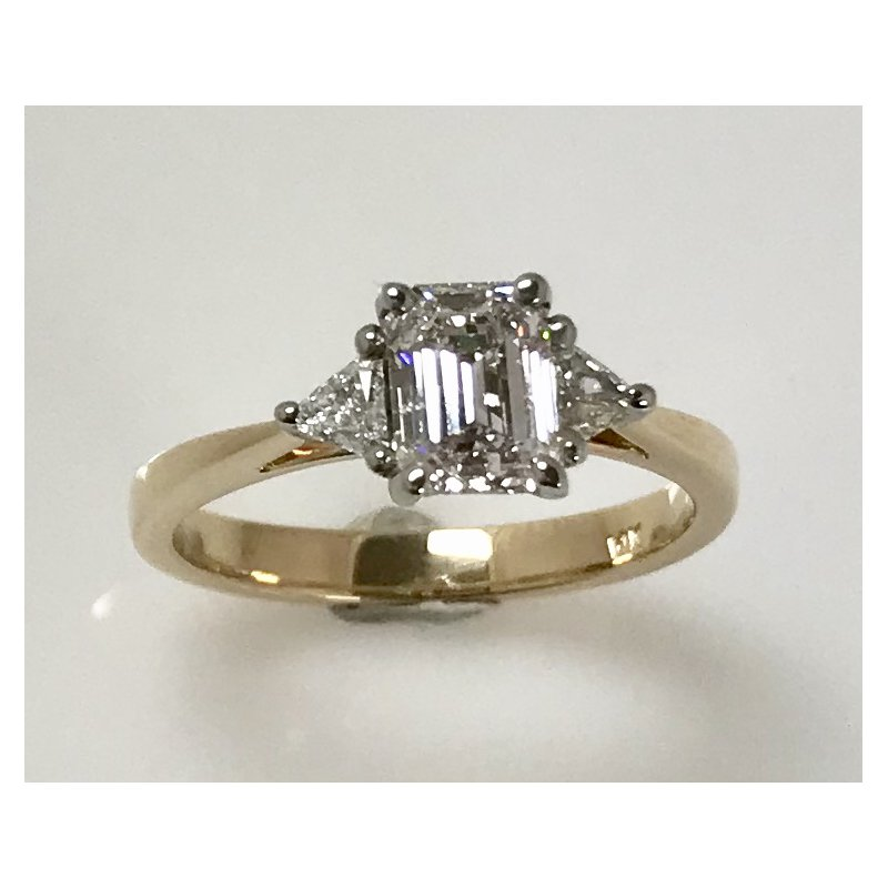 Showcase Collection 14KY 3 stone ring