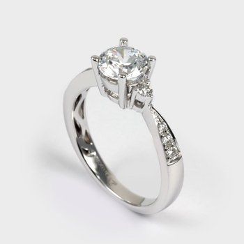 18KW Semi Set Engagement Ring