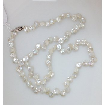 FW Flake Pearl Necklace