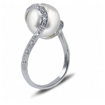 14KW FW Pearl Ring with Diamonds