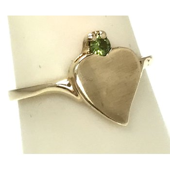 10ky Heart Ring with Peridot