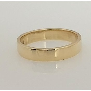 10KY Square Profile Wedding Band