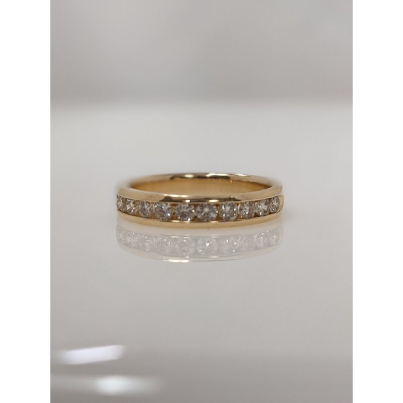 Estate Specials 14ky channel set diamond band