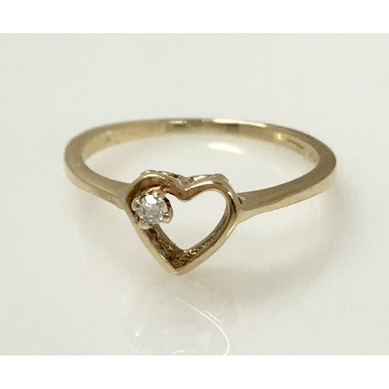 Estate Specials 10ky Diamond Heart Ring