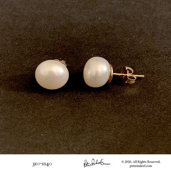 Button Pearl Studs