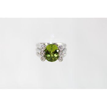 Palladium Peridot and Diamond Ring