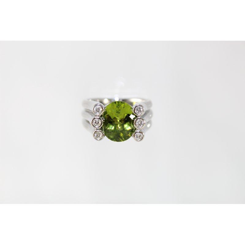 Thomas Farley Design Palladium Peridot and Diamond Ring