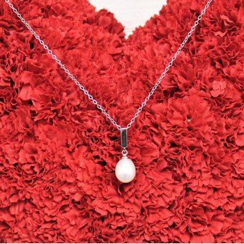 Silver Freshwater Pearl Necklace