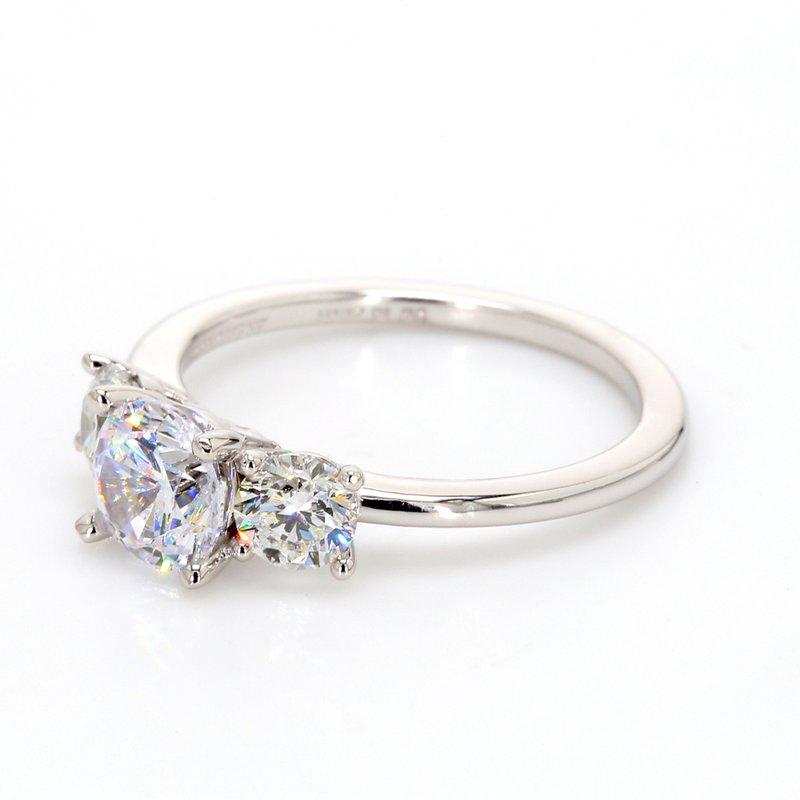 Classique 3 Stone Engagement Ring