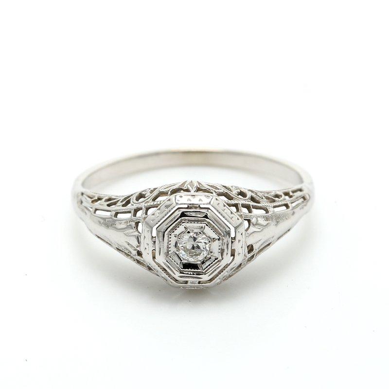 Estate Estate Solitaire Diamond Ring