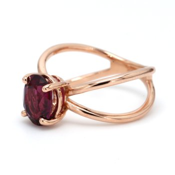 Solitaire Garnet Ring