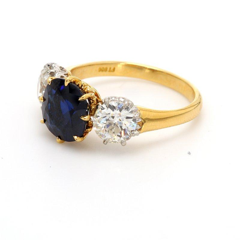 Estate Sapphire 3 Stone Ring