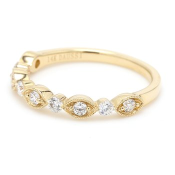 Scalloped Diamond Wedding Band