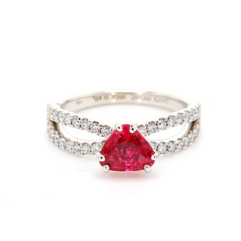 Spinel Split Shank Ring
