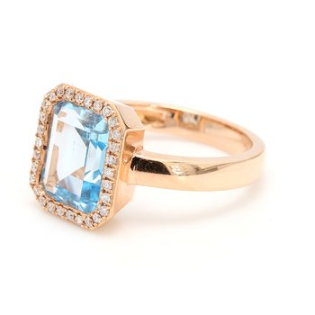 One Classic Topaz Right Hand R