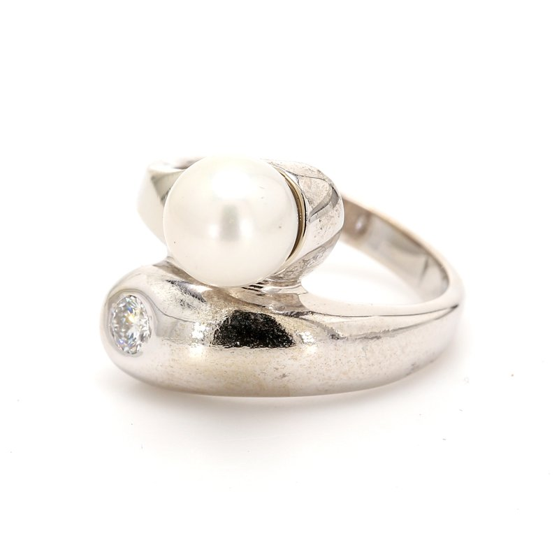 Estate Bypass Freshwater Pearl Ring