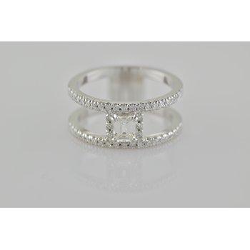 Custom Ladies Diamond Fashion Ring