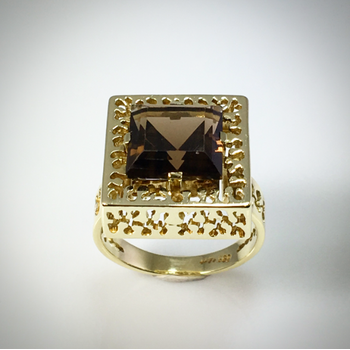 Lady's Smokey Quartz Ring
