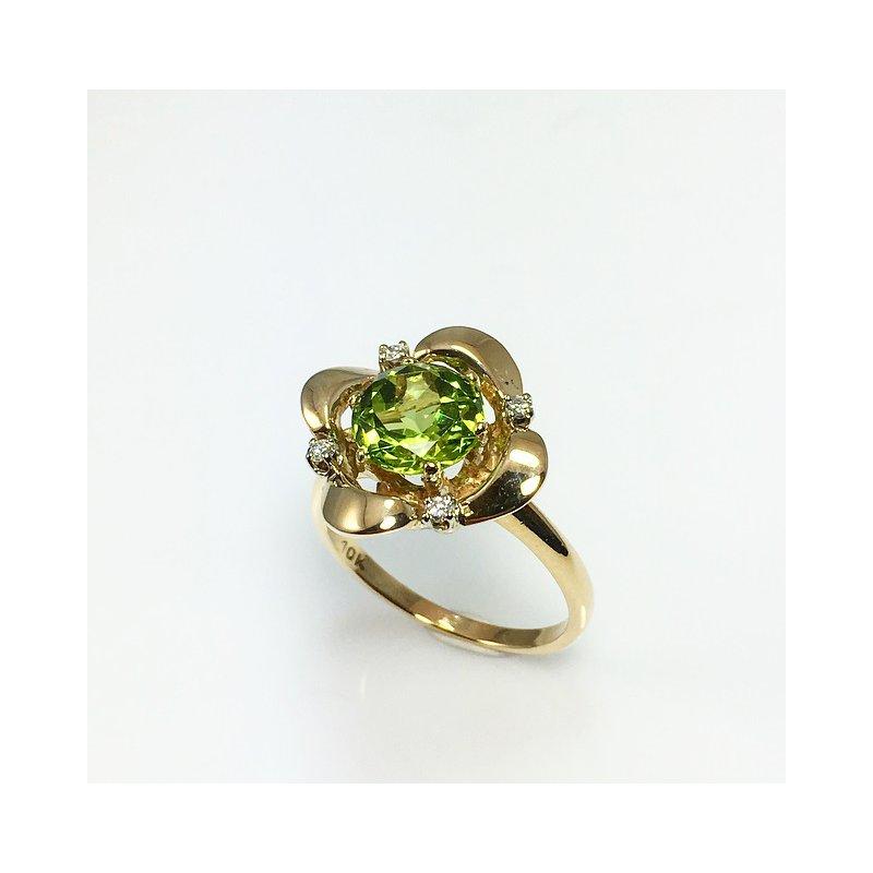 VandenDool Estate Jewellery Lady's Peridot and Diamond Ring