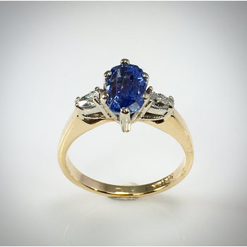Lady's Blue Sapphire and diamond ring