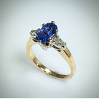 VandenDool Estate Jewellery Lady's Blue Sapphire and diamond ring