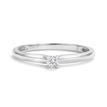 Canadian Diamond Promise Ring