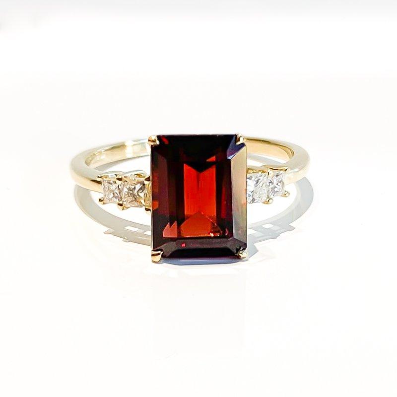 Corona Yellow Gold Garnet & Canadian Diamond Ring