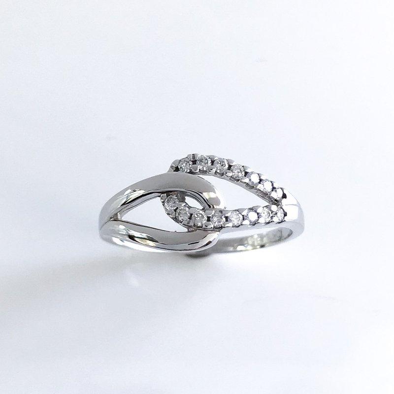 Corona Diamond Ring