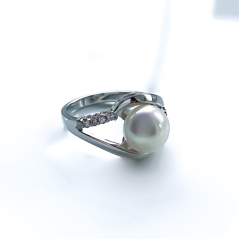 HJ Pearl Collection White Gold Pearl & Diamond Ring