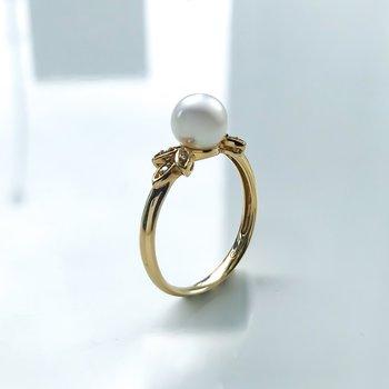 Yellow Gold Pearl & Diamond Ring