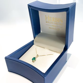 Yellow Gold Emerald Necklace