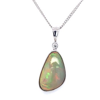 14 kt Gold Freeform Opal Pendat