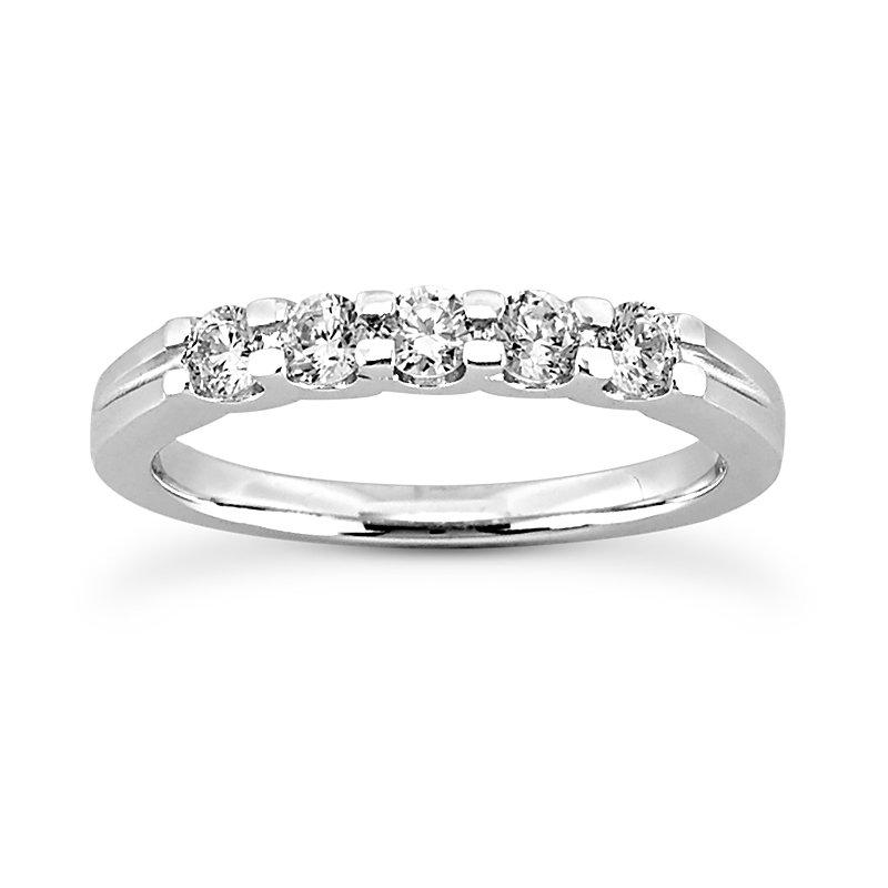 shared prong diamond band