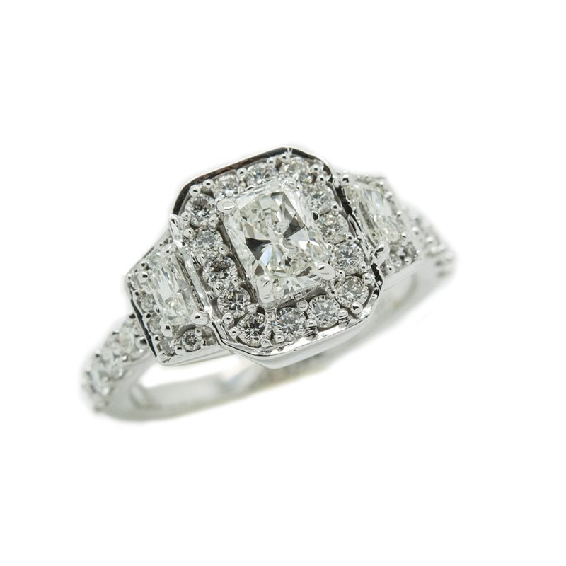 Intriguing Ring with Round and Baguette Diamonds in Stepped Design