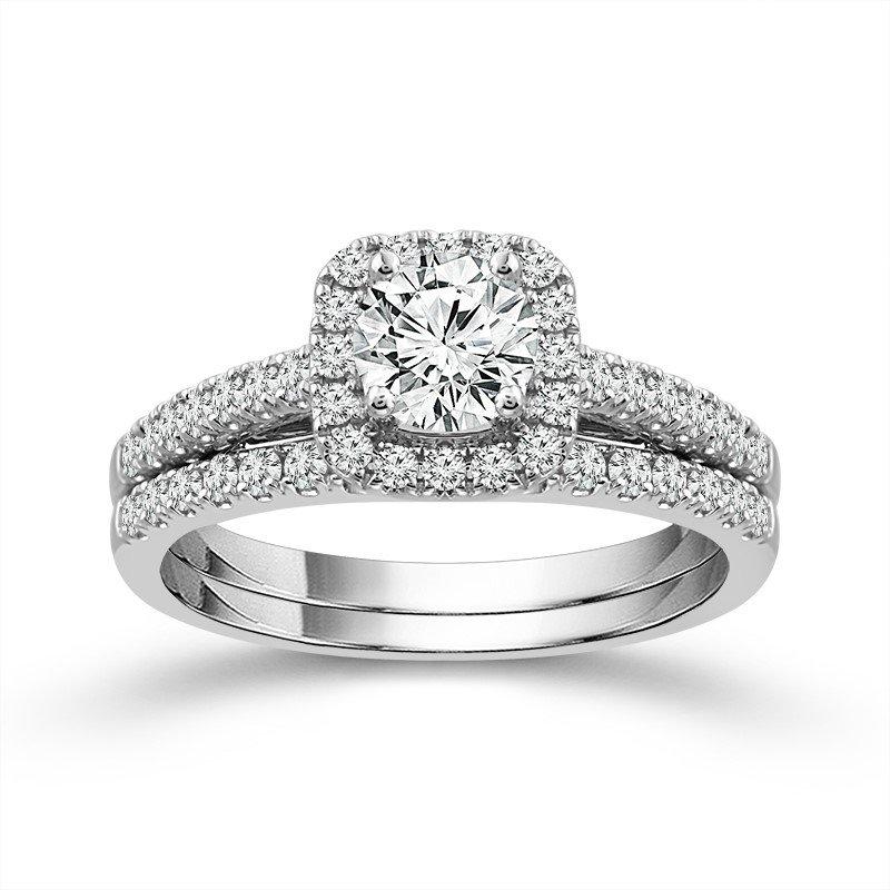 14 Karat Diamond Engagement Ring and Wedding Band Set