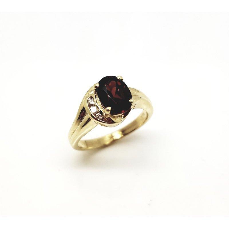 Yellow Gold Diamond And Garnet Ring