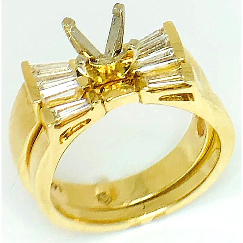 Yellow Gold Ring with Fan of  Baguette Diamonds