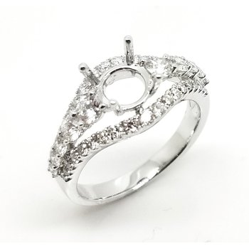 18 Karat Diamond Ring with Arches