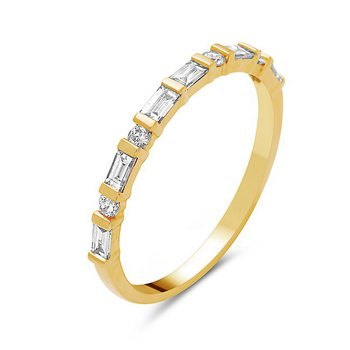 18 Kt Yellow Gold Band With Baguette and Round Diamonds