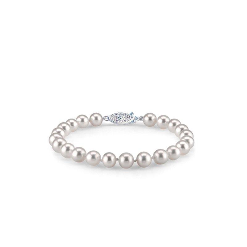 Gleaming Fresh Water Pearl Bracelet 14 Karat Gold Clasp