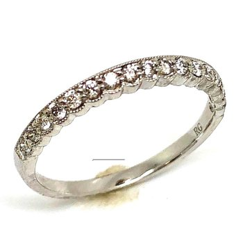 14 kt White Gold Diamond Band