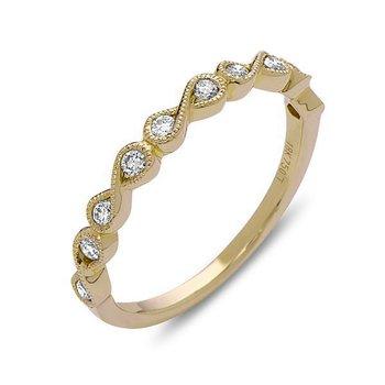 18 Karat Yellow Gold Diamond Infinity Pattern Band