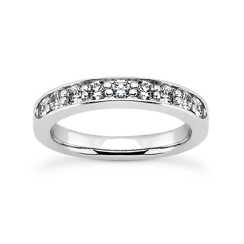 wedding band with shared prongs