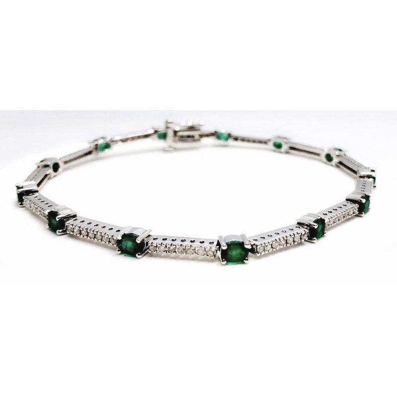 Impressive White Gold Oval Emerald and Diamond Bracelet