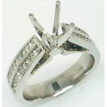 14 Kt White Gold Ring with Cathedral Diamonds