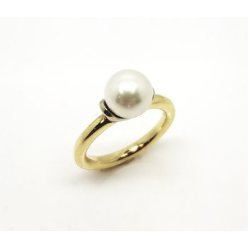 White and Yellow Gold Ring with Saltwater Pearl