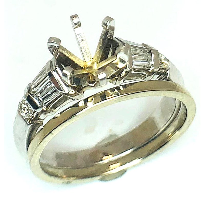 Important Ring with Arch of Baguette Diamonds and Rounds