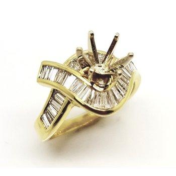 Yellow 18 Karat Ring With 1.02Tw Baguette Diamonds