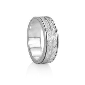 """Hailey"" Spinning Meditation Ring"